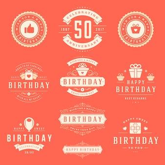 Conjunto de distintivos de feliz aniversário.