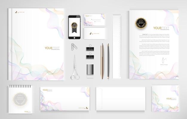 Conjunto de documentos de escritório para negócios inclui laptop tablet smartphone caneta lápis clipe de papel