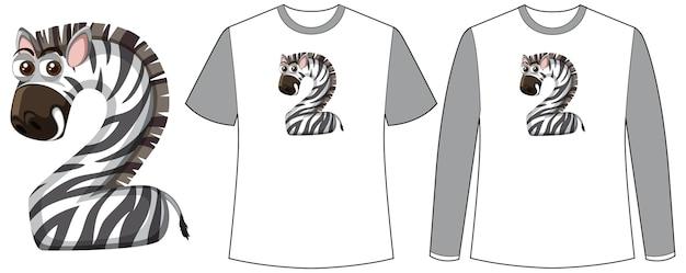 Conjunto de dois tipos de camisa com zebra na tela de formato número dois em camisetas
