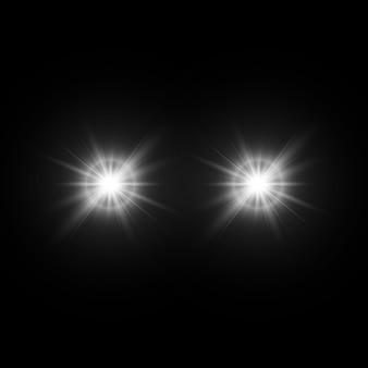 Conjunto de efeitos de luz brilhantes com transparência isoladas no fundo preto. reflexos de lente, raios, estrelas e brilhos com coleção de bokeh.
