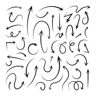 Conjunto de elementos de seta desenhado à mão no estilo doodle