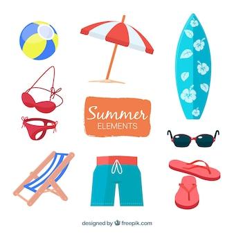 Conjunto de elementos de verão com comida e roupas na mão desenhada estilo