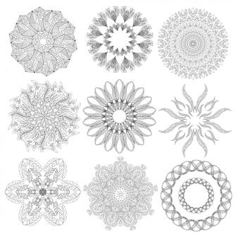 Conjunto de elementos geométricos abstratos e formas em fundo branco.