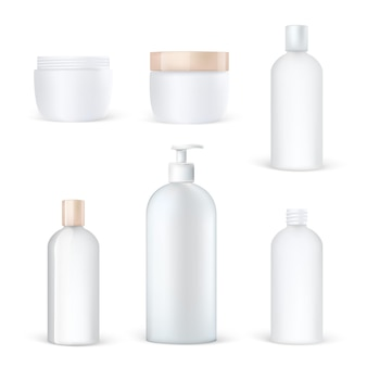 Conjunto de embalagens cosméticas realistas de garrafas plásticas limpas