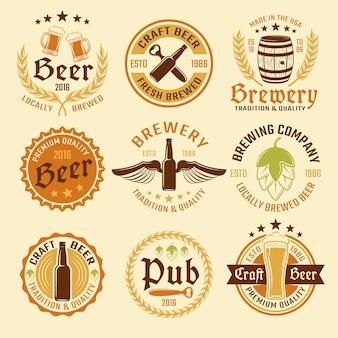 Conjunto de emblema de cerveja colorida