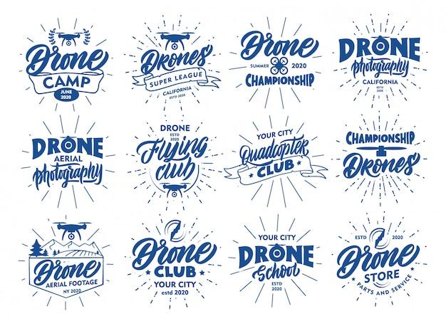 Conjunto de emblemas drone vintage e selos. emblemas azuis, adesivos sobre fundo branco. coleção de logotipos com raios desenhados à mão, texto, ícones, frases.