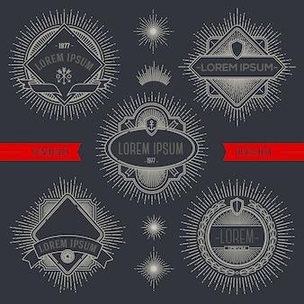 Conjunto de emblemas heráldicos de linha e rótulos com raios sunburst