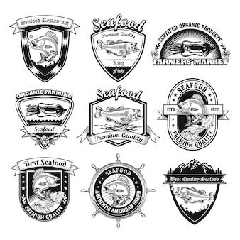 Conjunto de emblemas monocromáticos para ilustração de restaurante de frutos do mar