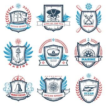 Conjunto de emblemas náuticos coloridos vintage