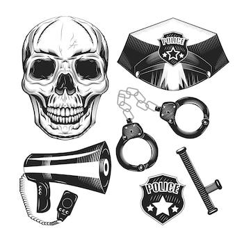 Conjunto de equipamento policial e um crânio isolado no branco.