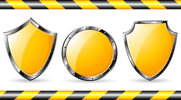 Conjunto de escudos de aço amarelos