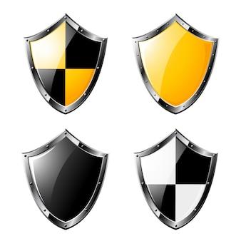 Conjunto de escudos de aço isolado no branco