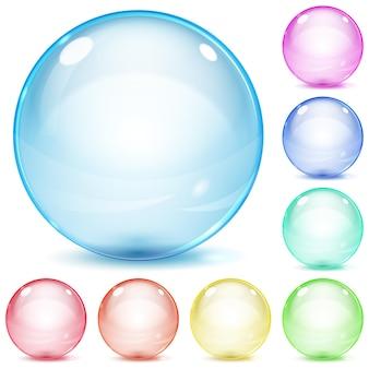 Conjunto de esferas de vidro multicoloridas com sombras no fundo branco