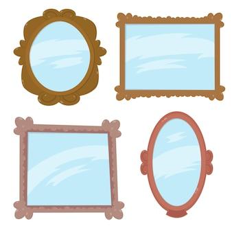 Conjunto de espelhos em molduras de madeira. belos espelhos antigos. espelhos engraçados dos desenhos animados em diferentes formas e estruturas diferentes.