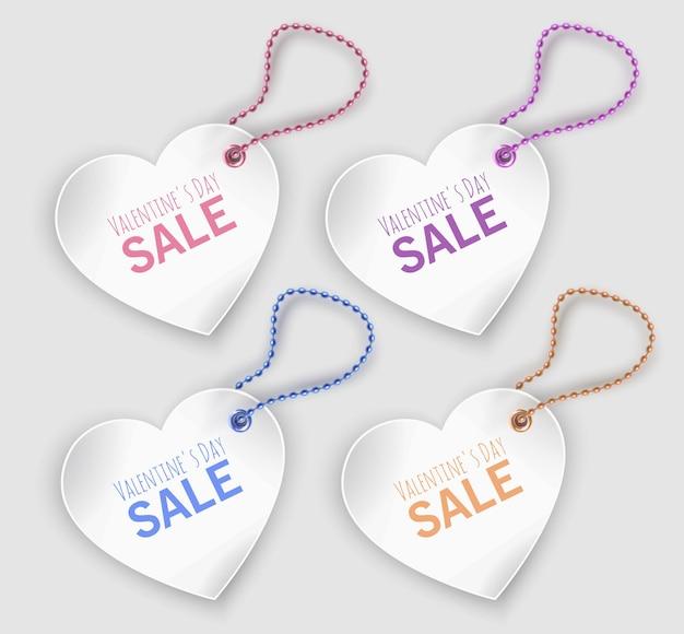 Conjunto de etiquetas brancas de formas de coração isoladas, liquidação do dia dos namorados
