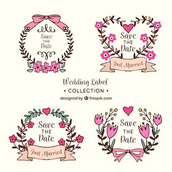 Conjunto de etiquetas de casamento com flores e ornamentos