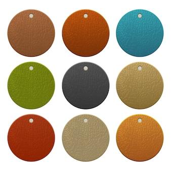 Conjunto de etiquetas de couro coloridas isoladas no fundo branco