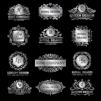 Conjunto de etiquetas de luxo prata com decorações ornamentos de floreios e monogramas