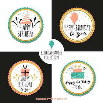 Conjunto de etiquetas desenhadas à mão de feliz aniversario