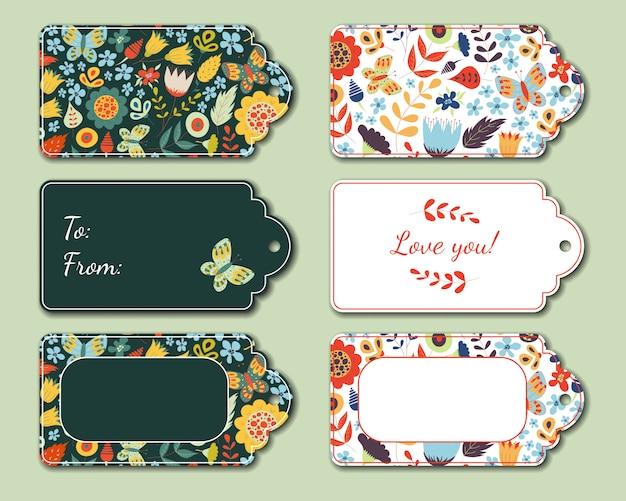 Conjunto de etiquetas presentes florais