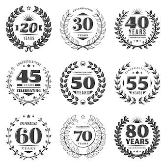 Conjunto de etiquetas vintage monocromáticas de aniversário