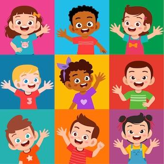 Conjunto de expressão de sorriso de criança feliz e fofa