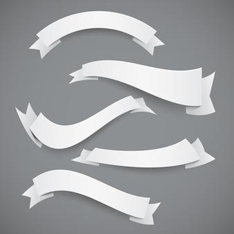 Conjunto de fitas onduladas de papel branco