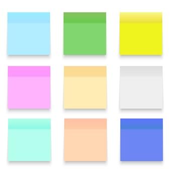 Conjunto de folhas de papel de escritório ou adesivos.