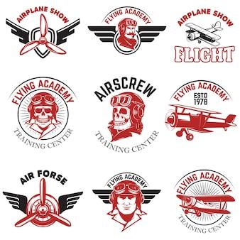 Conjunto de força aérea, show de avião, voando emblemas da academia. aviões antigos. elementos para o logotipo, crachá, etiqueta. ilustração.