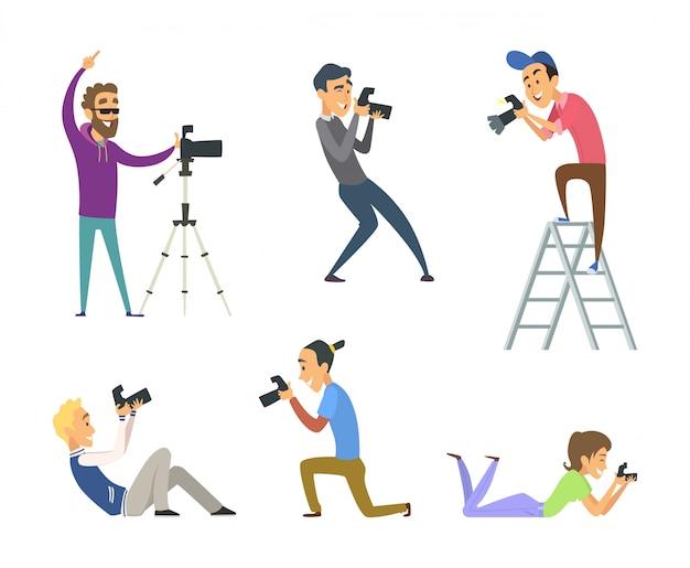 Conjunto de fotógrafos no trabalho.