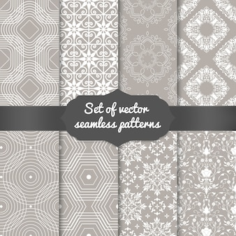 Conjunto de fundos abstratos padrão geométrico. planos de fundo elegantes para cartões e convites.