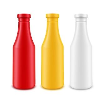 Conjunto de garrafas de plástico em branco isoladas em branco