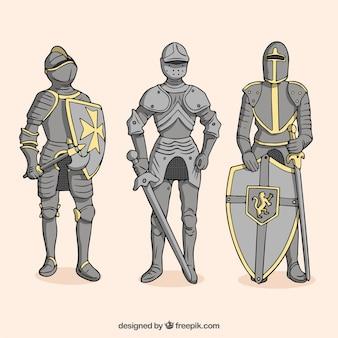 Conjunto de guerreiros com armadura desenhada a mão