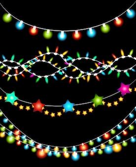 Conjunto de guirlanda de luzes de natal coloridas em fundo preto