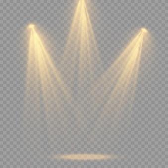 Conjunto de holofotes isolado. efeito de luz brilhante de vetor com vigas e raios de ouro