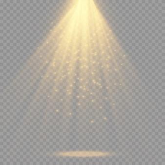 Conjunto de holofotes isolado. efeito de luz brilhante de vetor com vigas e raios de ouro Vetor Premium