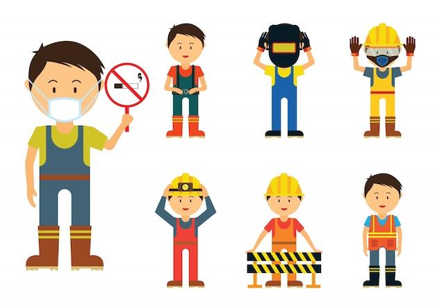 Conjunto de homens que mostram usar proteção na área da indústria por segurança,