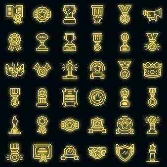 Conjunto de ícones de premiação do vencedor. conjunto de contorno do vencedor premiando ícones vetoriais de cor néon em preto