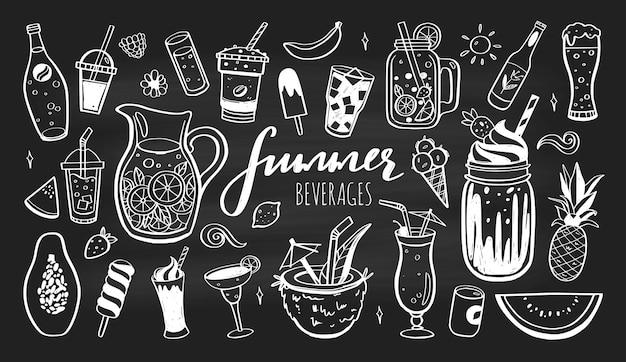 Conjunto de ícones desenhados à mão de bebidas geladas, coquetéis de verão e bebidas com frutas