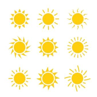Conjunto de ícones do sol ilustração vetorial. sinal amarelo do verão do projeto da coleção do sol.