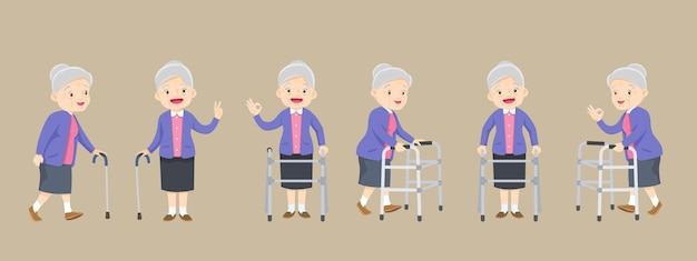 Conjunto de idosos com deficiência e suporte de andador médico