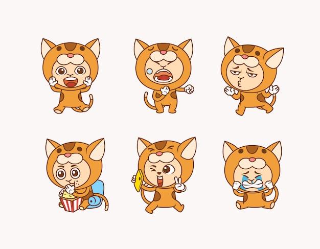 Conjunto de ilustração de pessoas vestindo fantasia de gato bonito com pose diferente e expressão facial