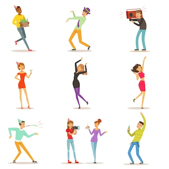 Conjunto de ilustrações de caracteres coloridos sobre fundo branco