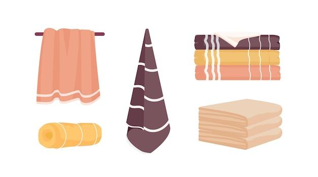 Conjunto de ilustrações vetoriais de toalhas de banho. pacote de toalhas limpas isolado no fundo branco. acessórios de higiene doméstica, enrolados empilhados e toalhas de mão coloridas penduradas. coleção de objetos domésticos.