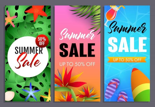 Conjunto de inscrições de venda de verão, plantas tropicais e prancha de surf