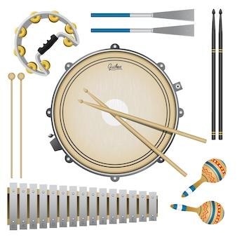 Conjunto de instrumentos musicais de percussão, bateria, maracas, pandeiro, baquetas