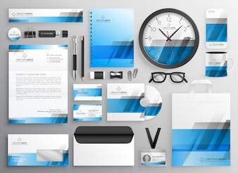 Conjunto de itens de papelaria de negócios azul profissional