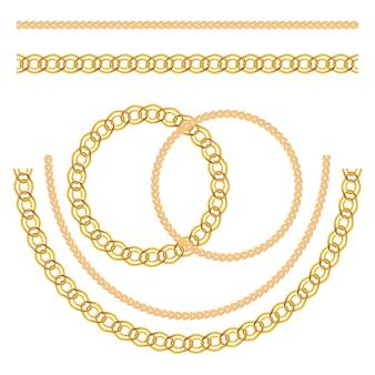 Conjunto de jóias de corrente de ouro isolado