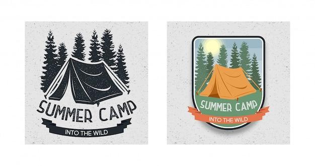 Conjunto de logotipo summer camping em estado selvagem