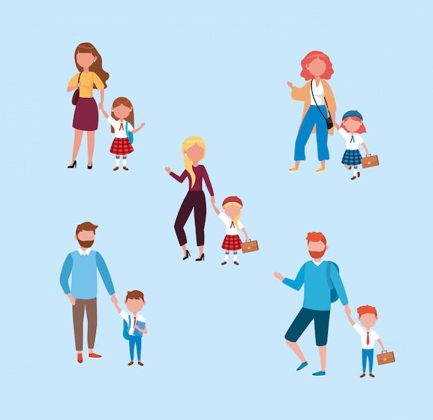 Conjunto de mães e pais com suas meninas e meninos estudantes
